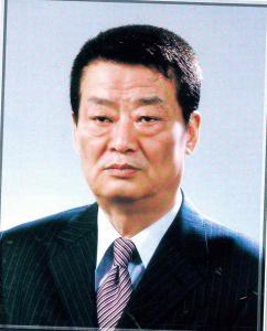 제12대 최흥립 교장선생님